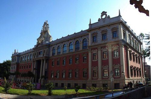 10. University of Murcia, Spain GÇô 1272
