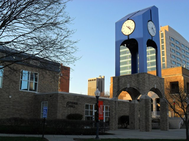 Franklin_University_Clock_Tower_with_Fisher_Hall_and_Columbus